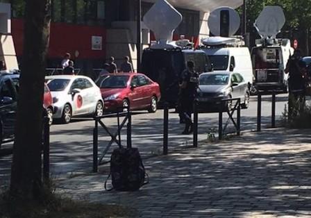 安河桥吉他谱孟小宝-根据天空体育更新的消息,法国酒店外疑似炸弹包裹的威胁已被解除.