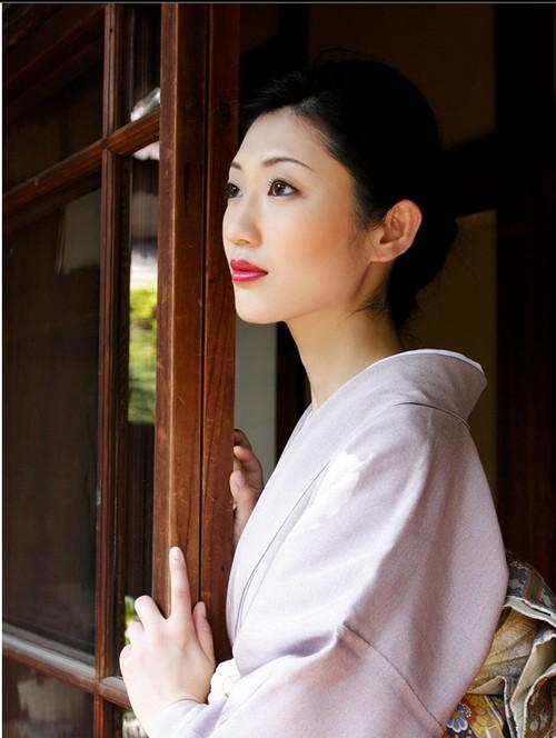 日本学生亚洲色�_球色怡人亚洲版:日本\