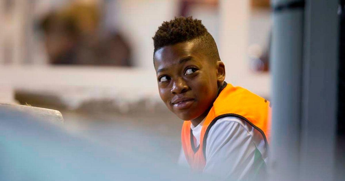 巴萨球探痛哭:失去13岁Dembele - 足球视频|足