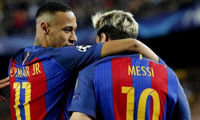 著名的巴西足球明星_巴西著名足球明星_著名足球左边卫
