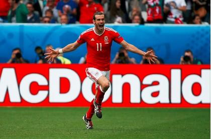 冰岛足球胜利庆祝