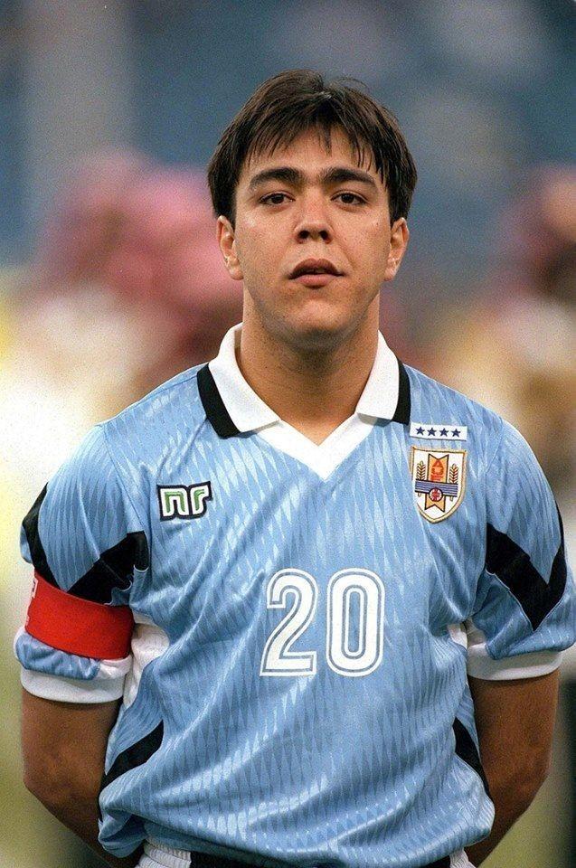 球色怡人特别版:中国男孩雷科巴 - 足球第一门