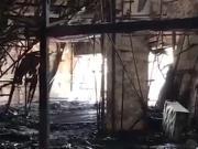 实拍火灾后的虹口:足球场旁的攀岩馆和跆拳道馆受损严重