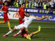 热血足球展现对抗之美,慢动作回顾中伊之战