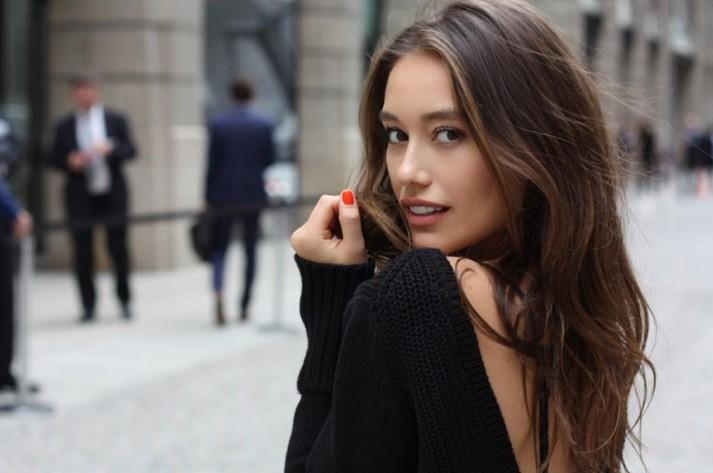 尔勒的新任女友安娜 莎拉波娃图片