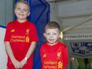 暖,利物浦邀请患癌小球迷看球