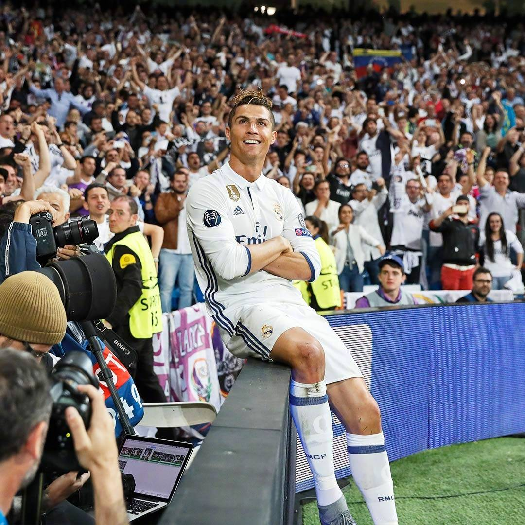 在皇马球迷心里 c罗永远是最佳 他是我们的王
