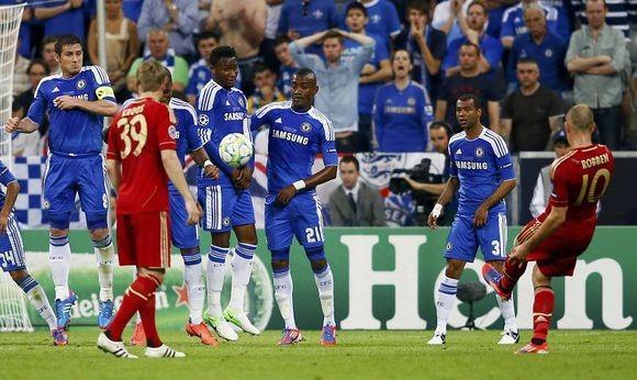 鏖战安联 2012年欧冠决赛拜仁慕尼黑vs切尔西图片 79871 580x346
