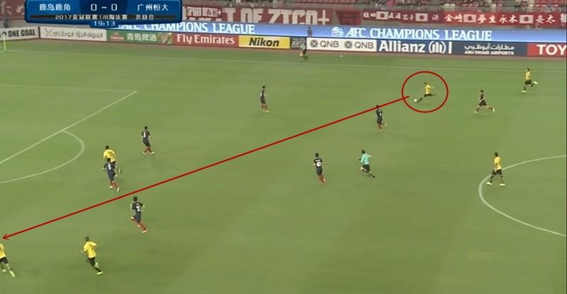 从右前卫到后腰,黄博文是斯帅变阵的重要棋子