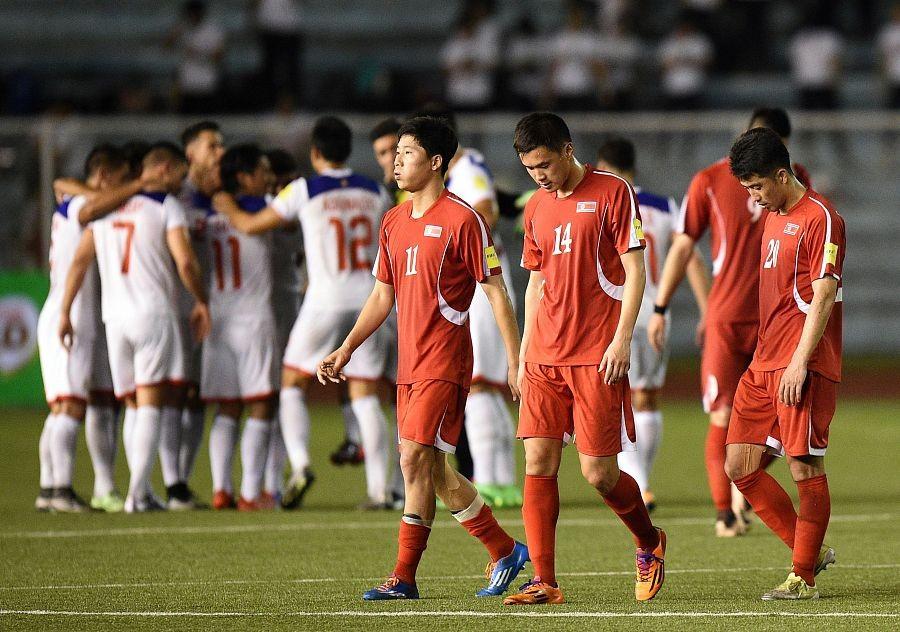国足战菲律宾前瞻:里皮演练新套路,全新后防遇