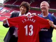 2005年的今天,朴智星正式加盟曼联,回顾三肺先生首赛季表现