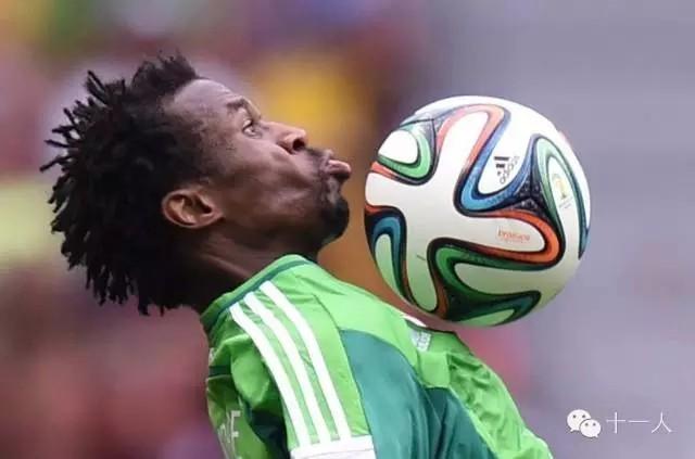 足球基础:提高胸部停球能力的训练方法 - 足球