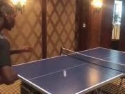 墙都不服就服你!没想到博格巴乒乓球也打得也这么溜