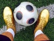 燃爆了!如果穿上C罗的足球鞋你是不是能和他一样狂拽酷炫?