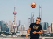 C罗上海出席活动,球迷疯狂呐喊为其助威