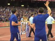 鸟巢之战即将打响,切尔西携英超冠军奖杯绕场展示