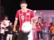 J罗新加坡秀颠球征服小球迷,即兴舞蹈逗乐刘星二娃