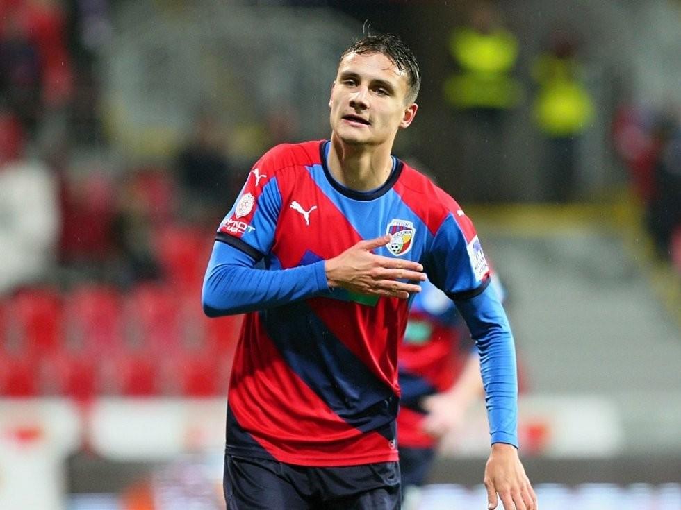 引援,布莱顿要签捷克U21国脚 - 比尔森胜利|布