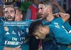 阿森西奥进球后卡瓦哈尔向裁判喊:你倒是再吹个点球啊!