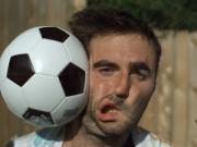 放慢1000倍!用球砸脸,慢镜头记录不可思议的变化!