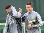 图集:曼联联赛训练备战,博格巴发型炫酷笑容满面