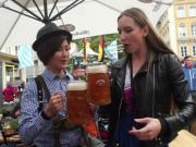 香蕉球西游记06:亲临慕尼黑啤酒节,美女主播当场比拼吹啤酒