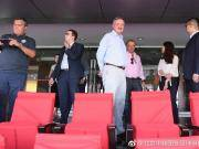 21日下午,哥伦比亚职业足球联盟体育总监伊万先生与7家...