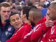 拜仁替补席咬耳朵大会,比达尔说了啥让蒂亚戈这么惊讶?