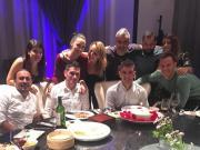 吃烤鸭,索里亚诺和朋友聚会