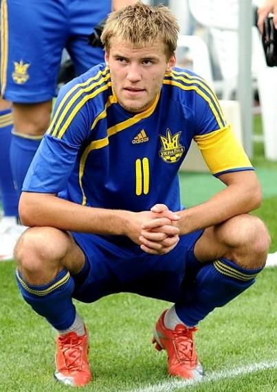 冰岛分在同组,球队本来并不被外界看好,但是预选赛开打之后,乌克兰却
