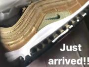 开箱!C罗收到最新的CR7系列耐克运动鞋!