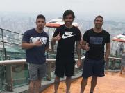 登高,高拉特和朋友爬广州塔