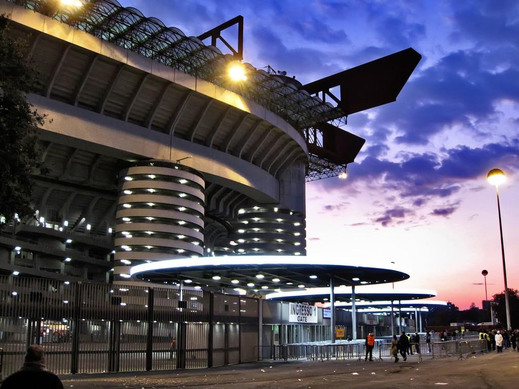 據多家意大利媒體報道, ac米蘭和國際米蘭共用主場圣西羅球場圖片