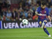 比赛图集:梅西任意球直接破门,保利尼奥抱憾头球中楣