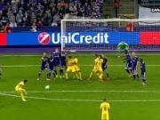 任意球低射钻过人墙直奔死角,内马尔助巴黎欧冠4球横扫对手