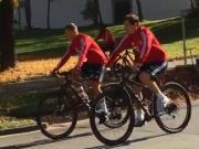 老当益壮,海因克斯带领着拜仁自行车小分队