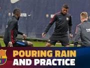 雨中抢圈滋味更佳?激烈的欧冠结束后,巴萨群星迎来恢复训练