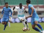 一方客场1-0丽江提前夺冠,丽江进球被吹降入中乙,博利制胜