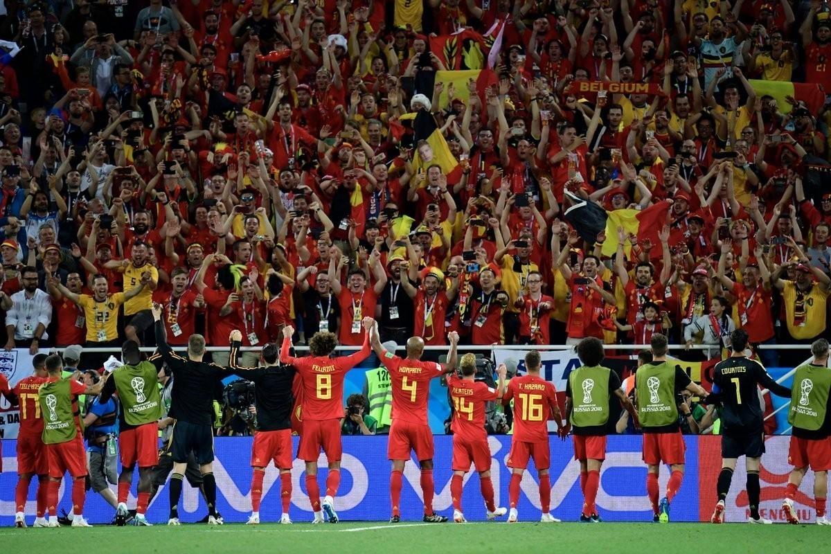 打着快乐足球的旗帜,踢着自己内心的抱负,两支球队都展现出了顽强的