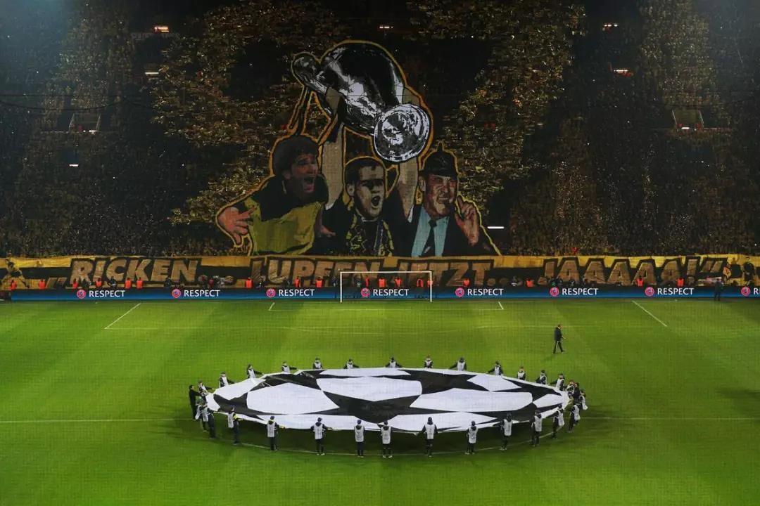 足球队纳新宣传海报