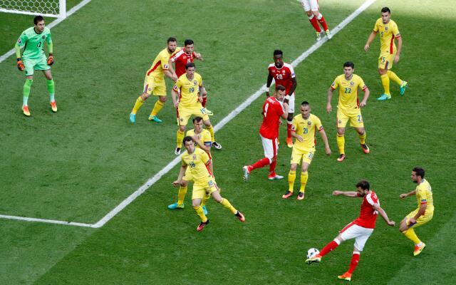 瑞士1-1罗马尼亚斯坦库点射领跑射手榜穆罕穆迪