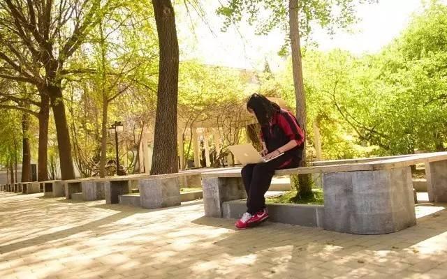 一个十七岁女孩儿是怎么让全北京高中生为足球