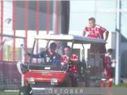 赢球、搞怪两不耽误,拜仁的这十月时光还真是与众不同