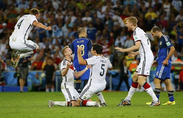 温故知新!那些在上届世界杯惊艳一时的足球鞋