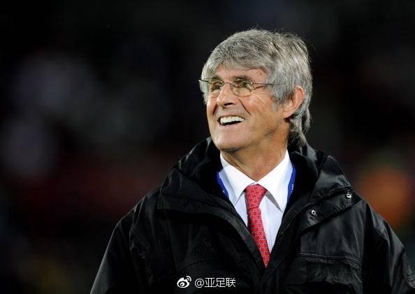 2002年带领中国足球队杀入世界杯决赛圈的快