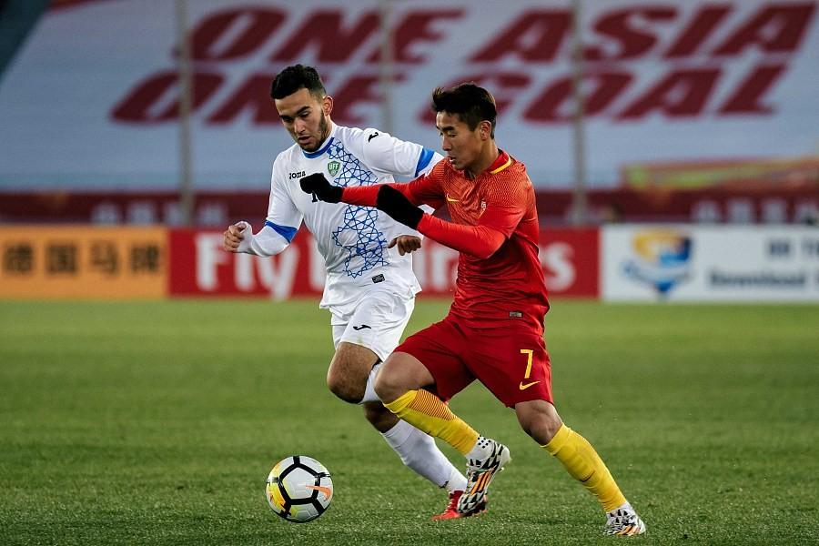 广州日报:U23国足输在底蕴,只有一个韦世豪走不远