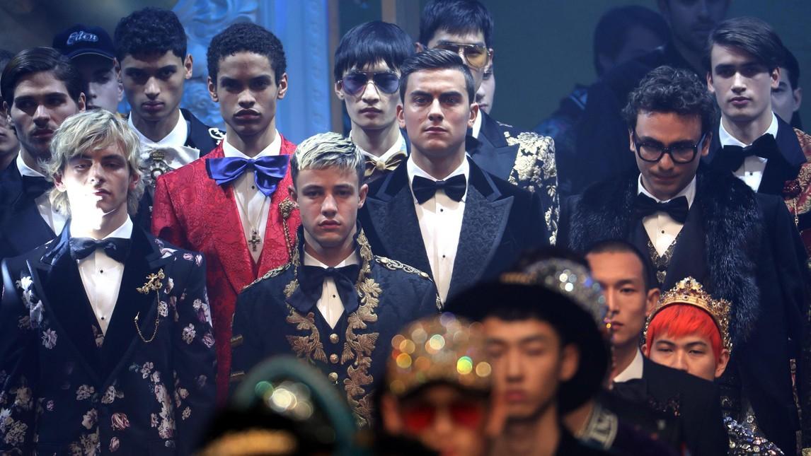 图集:帅一地,迪巴拉受邀参加2018米兰时装周