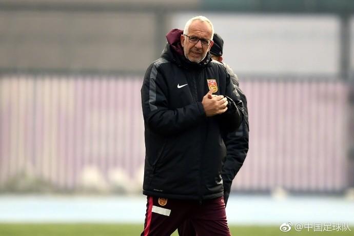 图集:U23国足备战生死战,张玉宁训练中成焦点