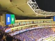 两位香港球迷现场看京沪德比,全程高能请戴耳机观看