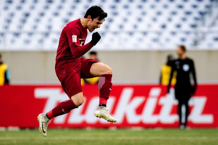 <strong>阿菲夫进球卡塔尔1-0韩国</strong>